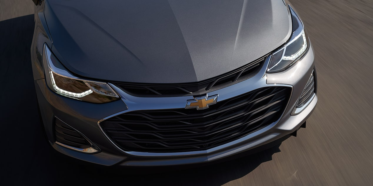 Rear exterior view of the 2019 Cruze.