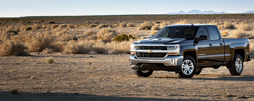 2019 Silverado 1500 Pickup Truck Performance: Front Side View