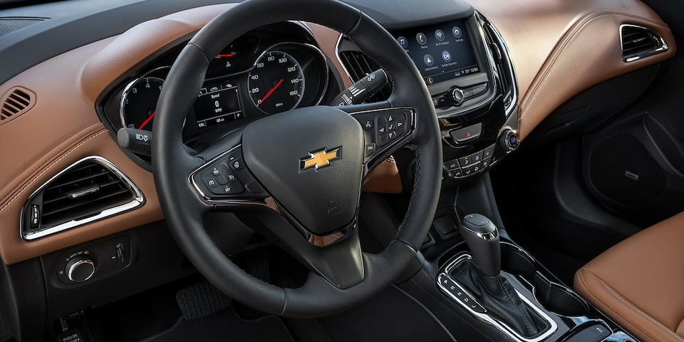 The centre console in the 2019 Chevrolet Cruze.