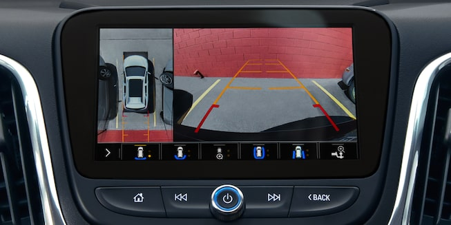 The 2019 Equinox features High Definition Surround Vision.