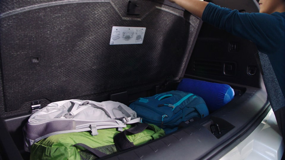 2019 Traverse Midsize SUV: Hidden Storage