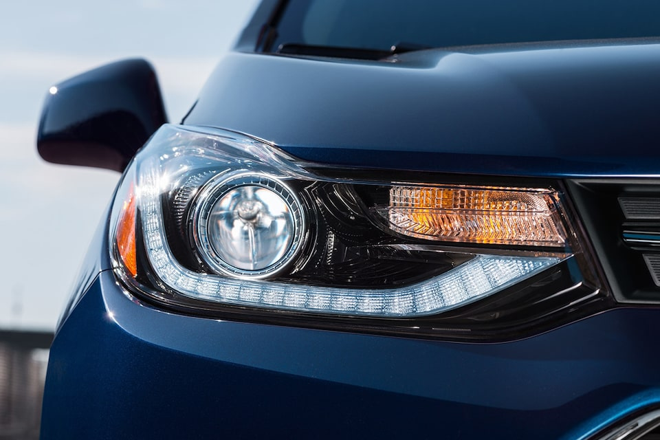 Chevrolet Trax design: available halogen projector and signature LED daytime running lamps.