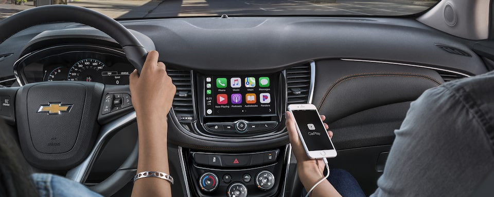 2020 Chevy Trax Compact SUV Apple CarPlay.