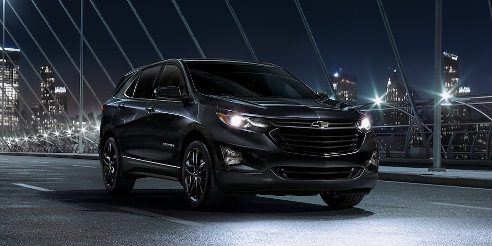 2021 Chevrolet Equinox Midnight Edition compact SUV Side Exterior View.