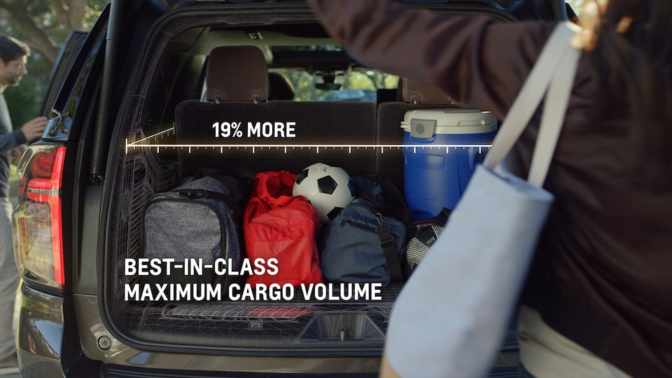 2021 Chevrolet Suburban rear compartment setup video.