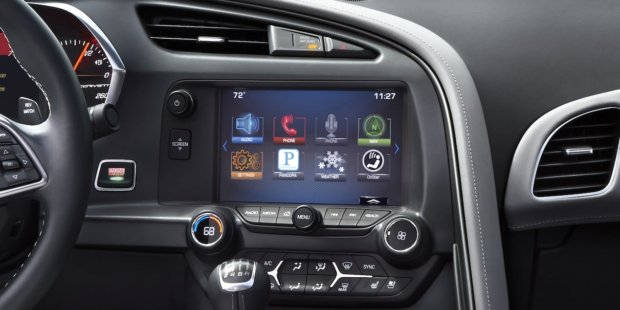 Corvette Z06 technology: Chevrolet MyLink touch-screen display.