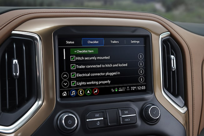 2019 Silverado in-vehicle Trailering System: predeparture checklist screen.