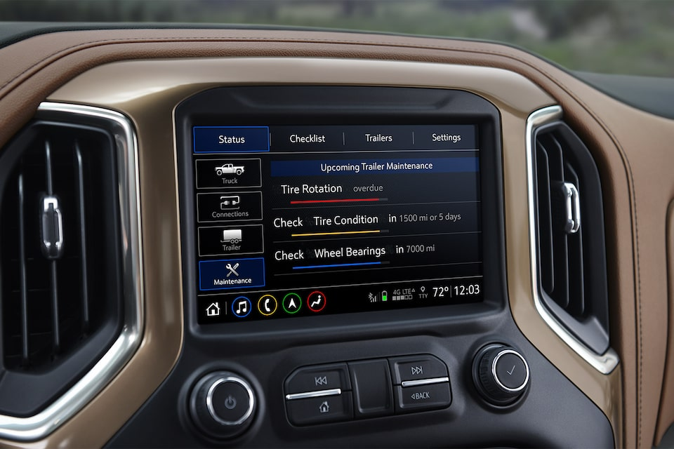 2019 Silverado in-vehicle Trailering System: service reminders screen.