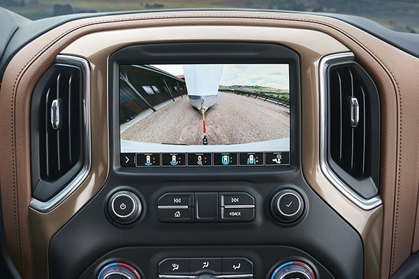 2019 Chevrolet Silverado truck towing visibility: high guidance with hitch view.