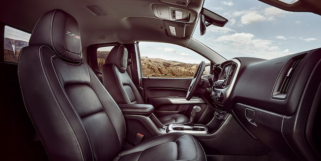 2021 Chevrolet Colorado Interior Front Seat Area