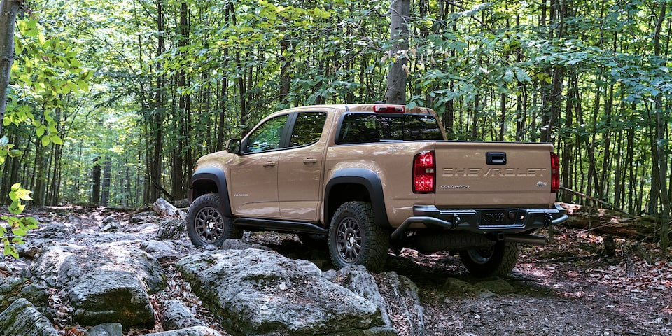 2021 Chevrolet Colorado ZR2 Bison Rear & Side Profile.