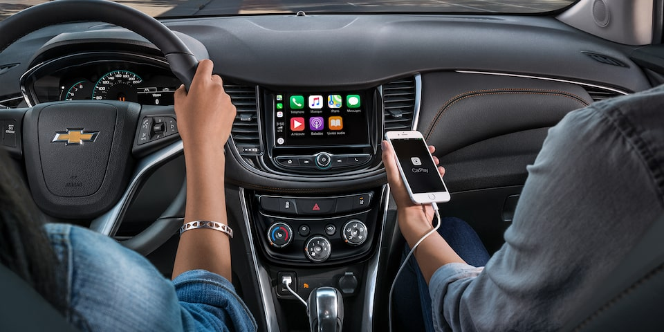 Chevrolet Trax technology: Apple CarPlay and Android Auto compatibility.