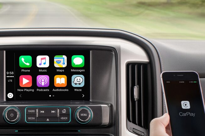 2019 Silverado 1500 Pickup Truck Technology: Apple Carplay Display